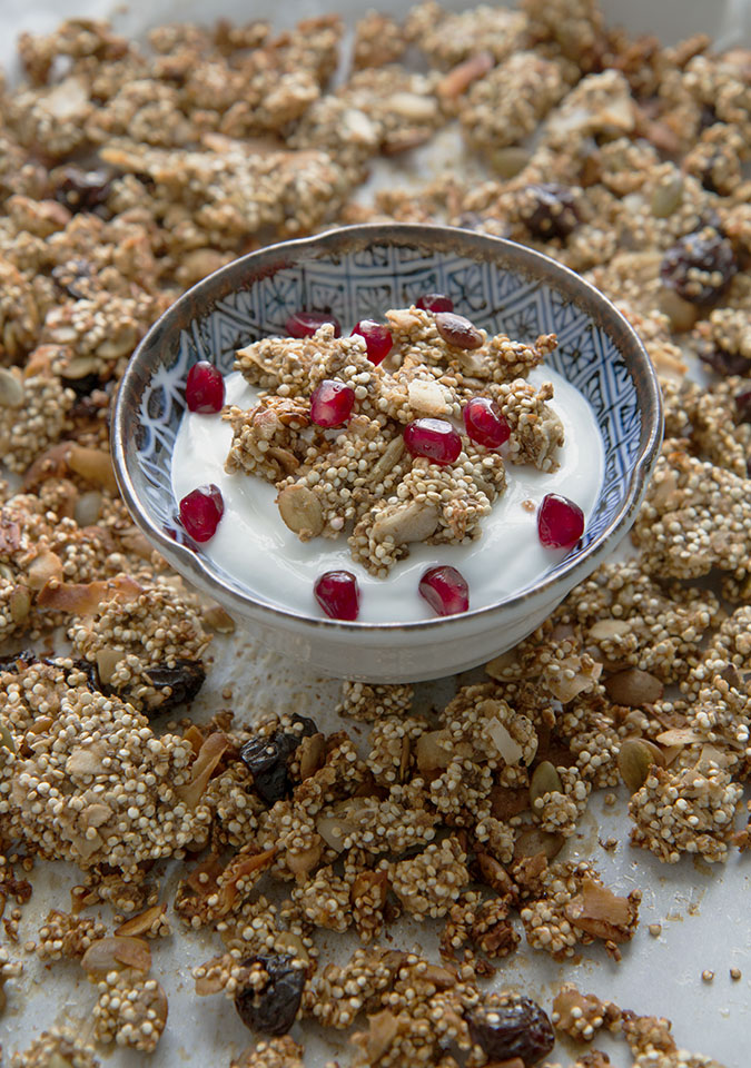 Recipe for quinoa granola with cherries and pumpkin seeds