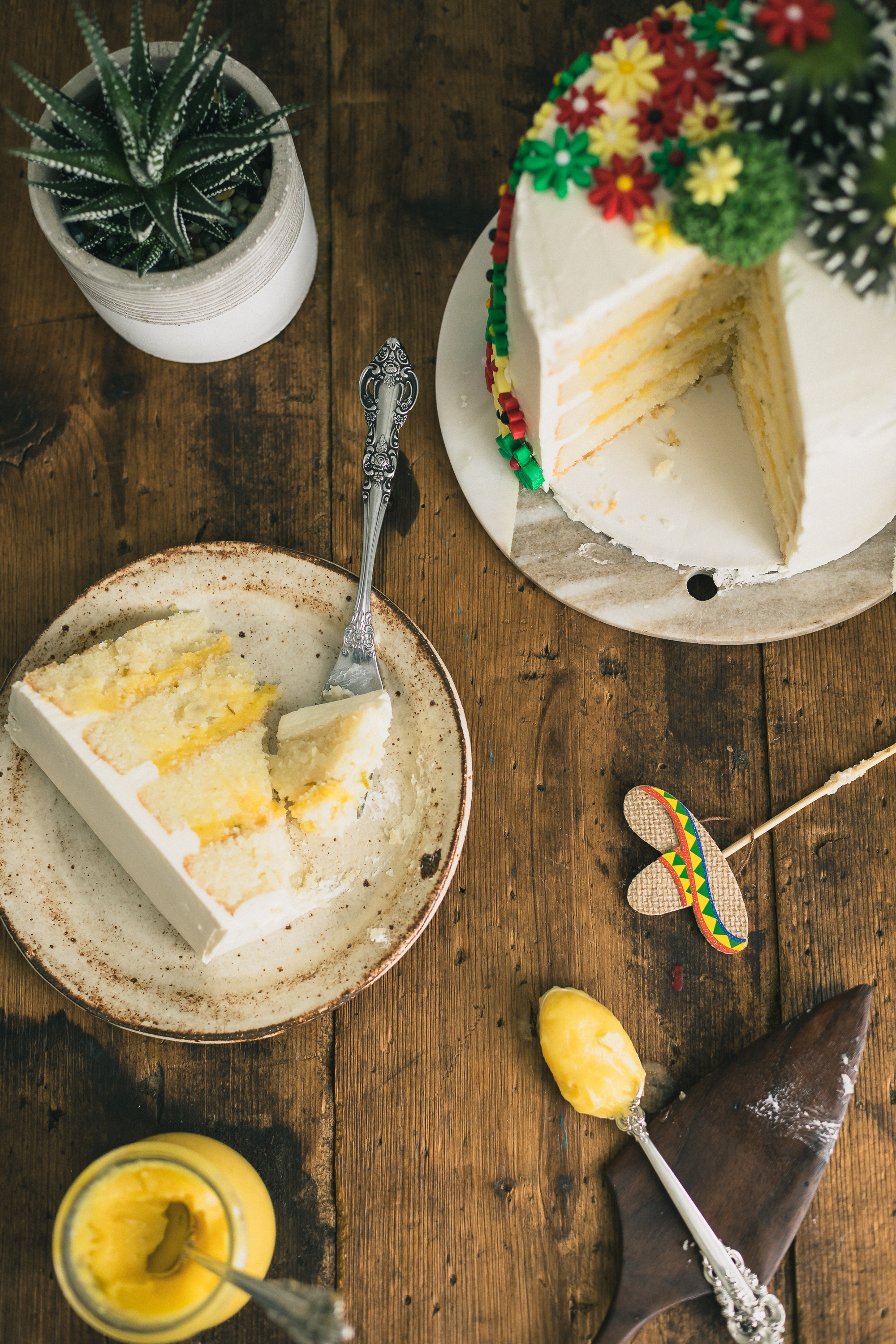 Margarita Cake with Salted Lime Frosting - This Margarita Cake with Salted Lime Frosting combines the elements of a light & moist cake with the sweet & salty flavors of a margarita. Perfect for all your Cinco de Mayo celebrations, Taco Tuesdays, summertime parties or any time a Margarita craving strikes. Click for RECIPE.