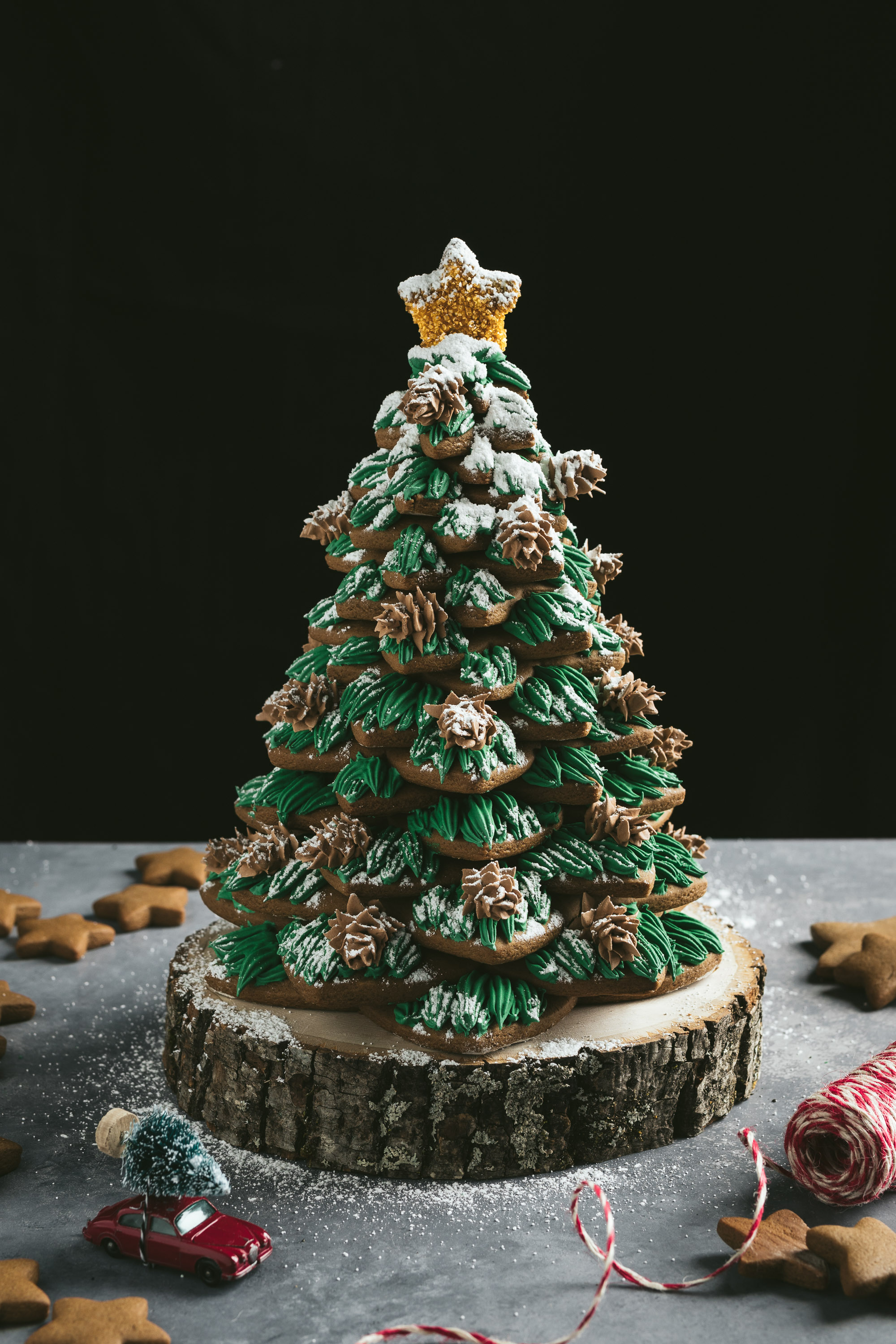 Holiday Gingerbread Tree